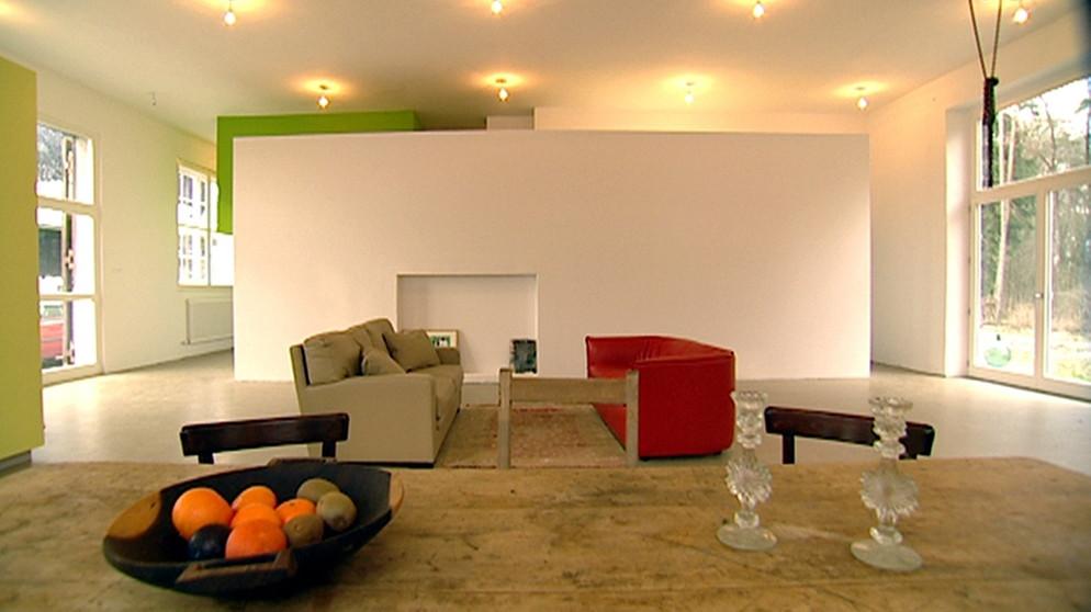 traumh user wiederbesucht vom ein baumhaus eine maschinenhalle und eine scheune. Black Bedroom Furniture Sets. Home Design Ideas