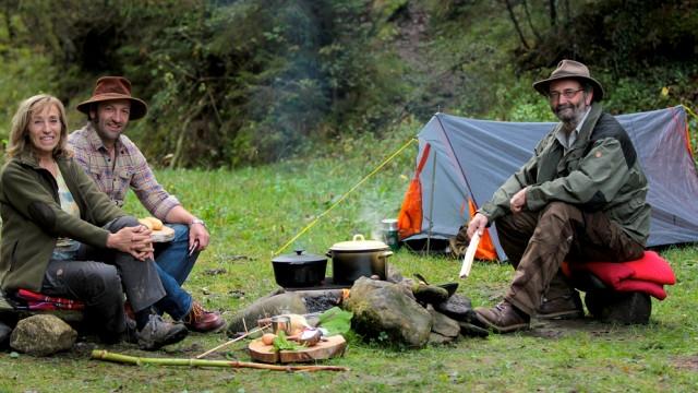 wilde küche vom 02.10.2016: schmidt max kocht am lagerfeuer | br