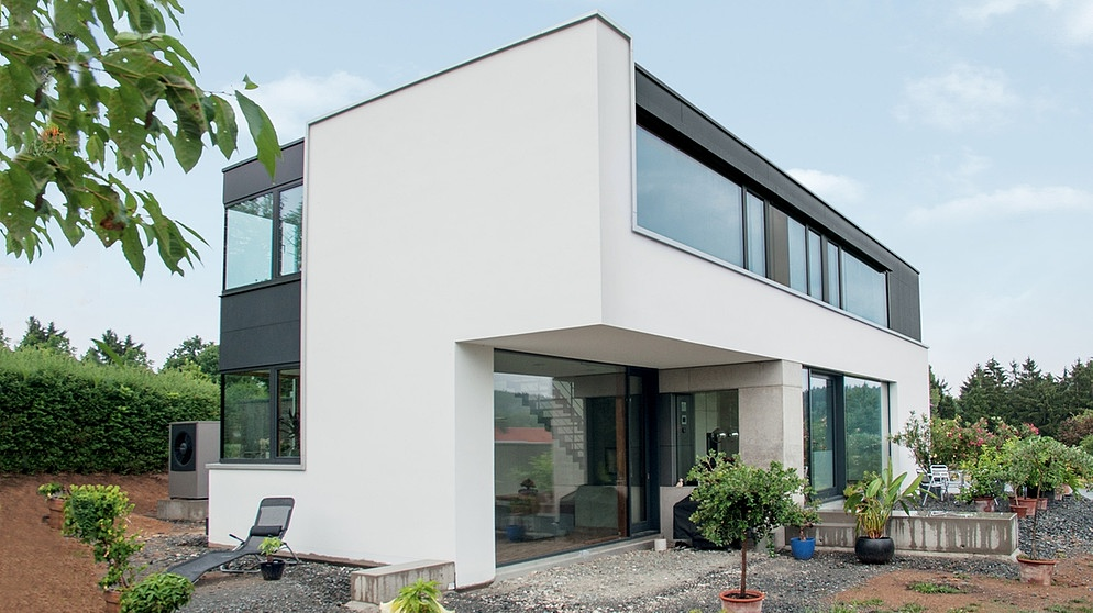 Traumh user ein haus mit kino f nfte staffel for Modernes haus glasfront