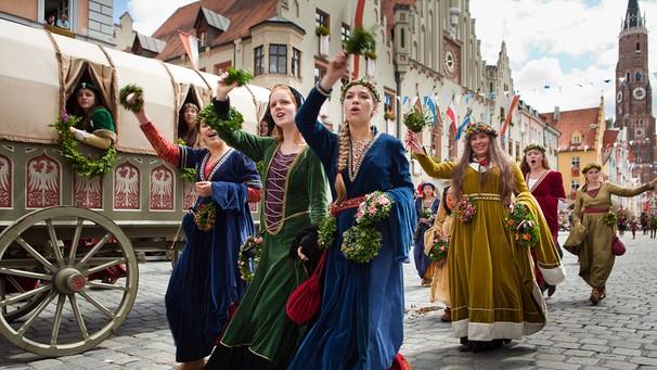 Lagerleben wie im Mittelalter : Die Landshuter Hochzeit  Unter ...