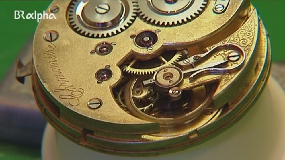 Uhrmacher  Uhrmacher/-in: Der Beruf mit dem Tick | Ich mach's! | ARD-alpha ...