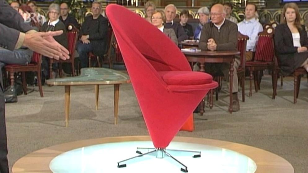 Stuhl eist te zum sitzen design schatzkammer kunst for Stuhl design kunst