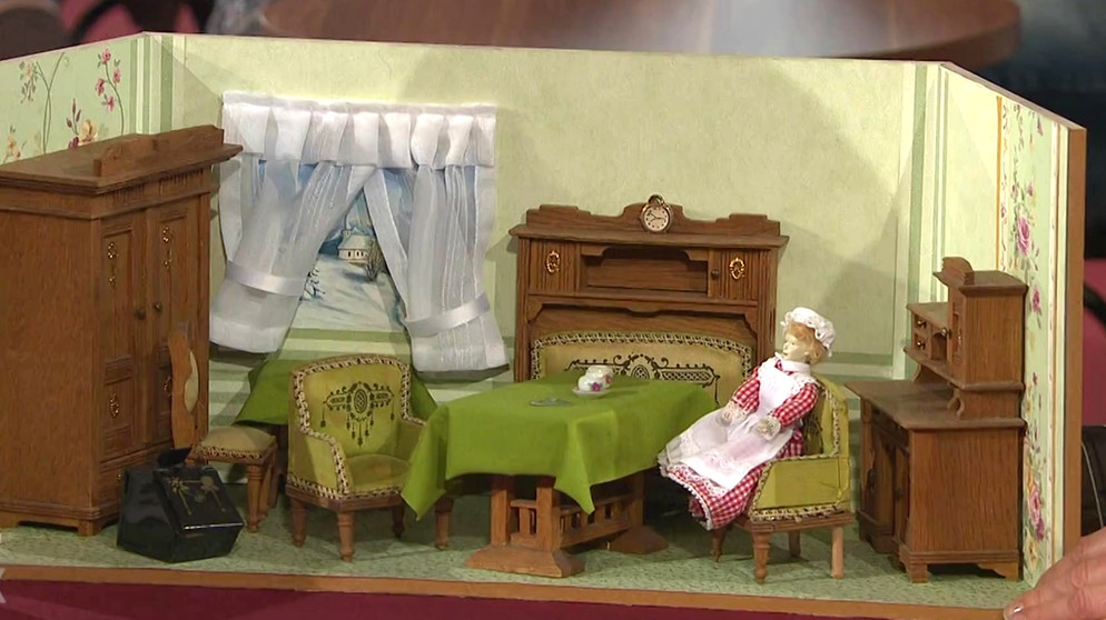 puppenstube blick in deutsche wohnzimmer spielzeug schatzkammer kunst krempel br. Black Bedroom Furniture Sets. Home Design Ideas