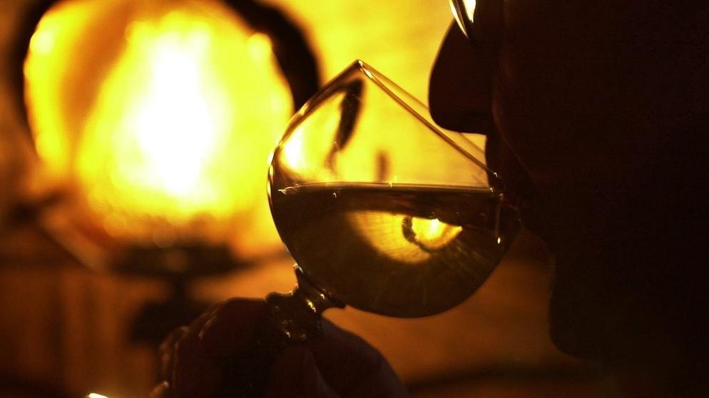 Des Alkoholismus in verschiedenen polowosrastnych die Gruppen