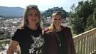 Marianne Kreuzer (links) trifft die Eisschnelllauf-Olympiasiegerin Anni Friesinger. Die Inzellerin war Anfang der 2000er die bekannteste Wintersportlerin Deutschlands. | Bild: BR/Gabi Grosch