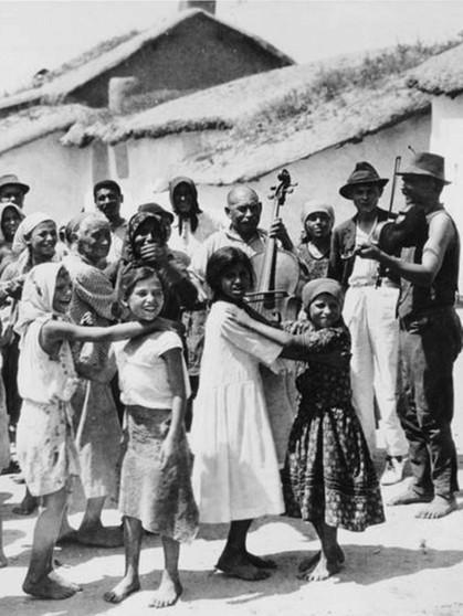 Zur geschichte der sinti und roma der lange weg von for Priolo arredamenti roma