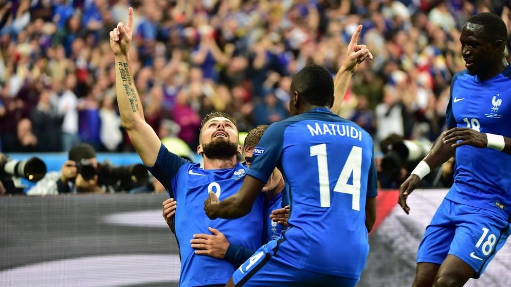 5:2 gegen Island: Frankreich im Rausch - Gipfeltreffen ...