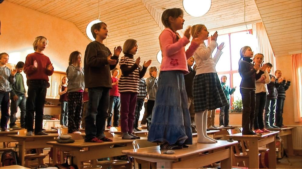 Langzeitdokumentation über eine Waldorfschulklasse (Teil 1): Guten Morgen, liebe Kinder