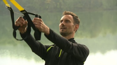 Fero Andersen beim TRX-Training | Bild: Screenshot BR