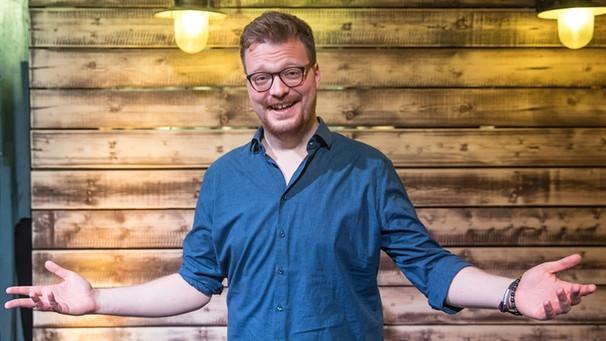 Der Moderator Maxi Gstettenbauer Was Ist Das Denn Br Fernsehen