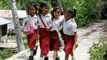 Schulkinder in Indonesien | Bild: BR