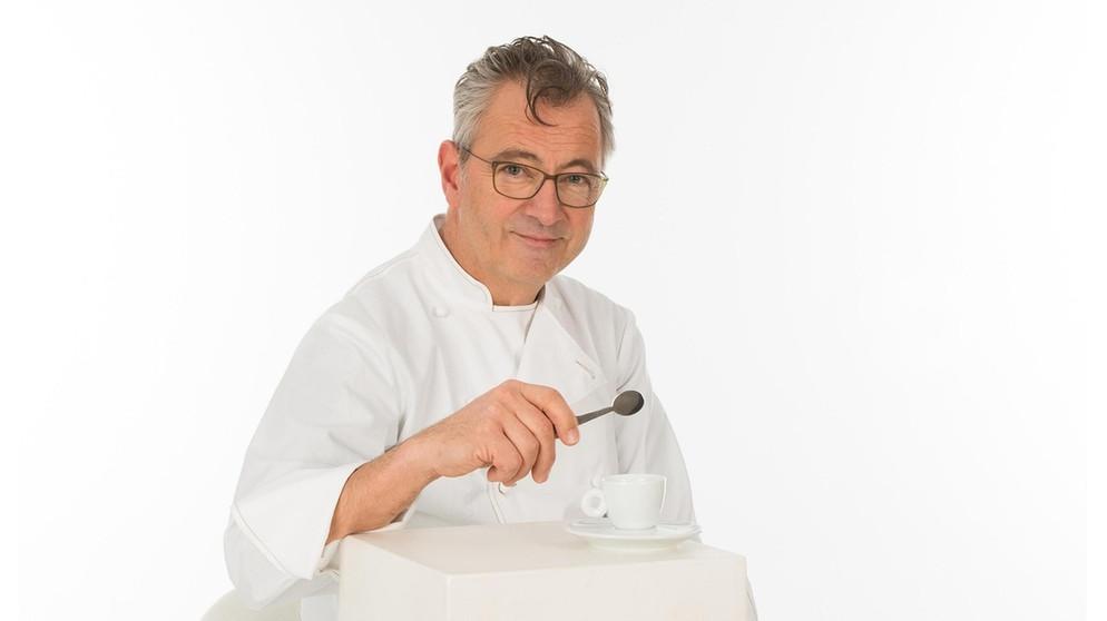 Wir in Bayern | Rezepte: Vegetarischer Maronen-Walnuss-Presssack mit Granatapfelbutter