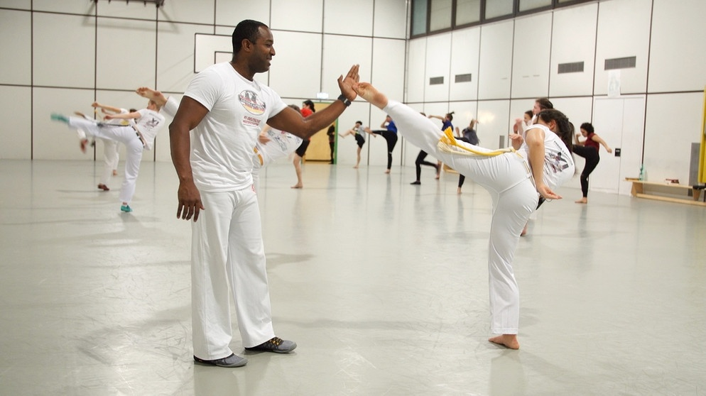 Hochschulsport capoeira spass uni 108~ v img  16  9  xl