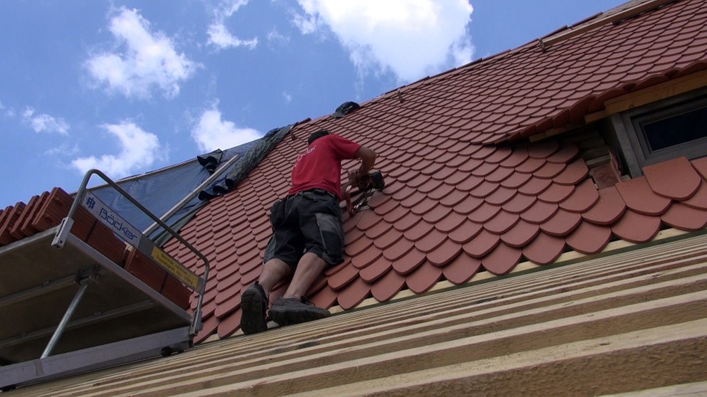 Dachdecker/-in Dachdeckungstechnik: Damit\'s nicht reinregnet