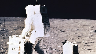 Men on the moon | Bild: picture-alliance/dpa