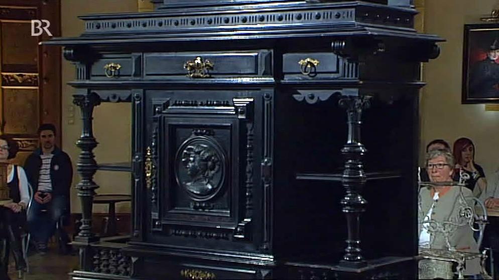historistischer schrank imposantes schwarz m bel schatzkammer kunst krempel br. Black Bedroom Furniture Sets. Home Design Ideas