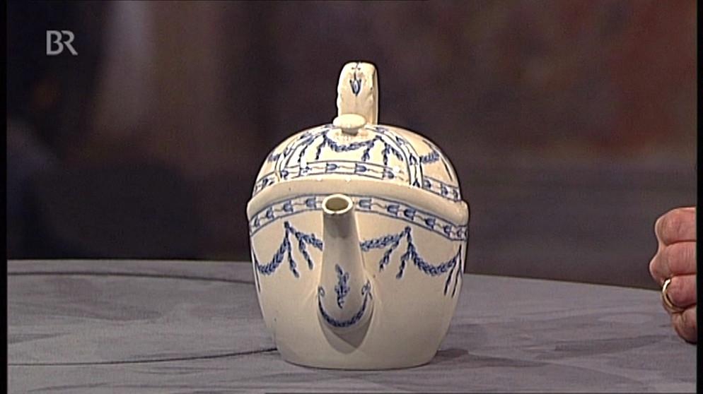 teekanne patentierter aufguss keramik schatzkammer kunst krempel br fernsehen. Black Bedroom Furniture Sets. Home Design Ideas