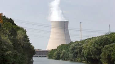 Atomkraftwerk Isar I am Fluss | Bild: picture-alliance/dpa