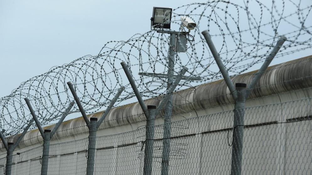 Kritik an Entschädigungspraxis: Unschuldig im Gefängnis ...