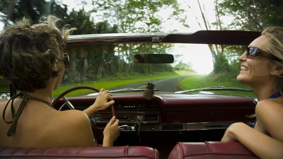 darf man nackt autofahren
