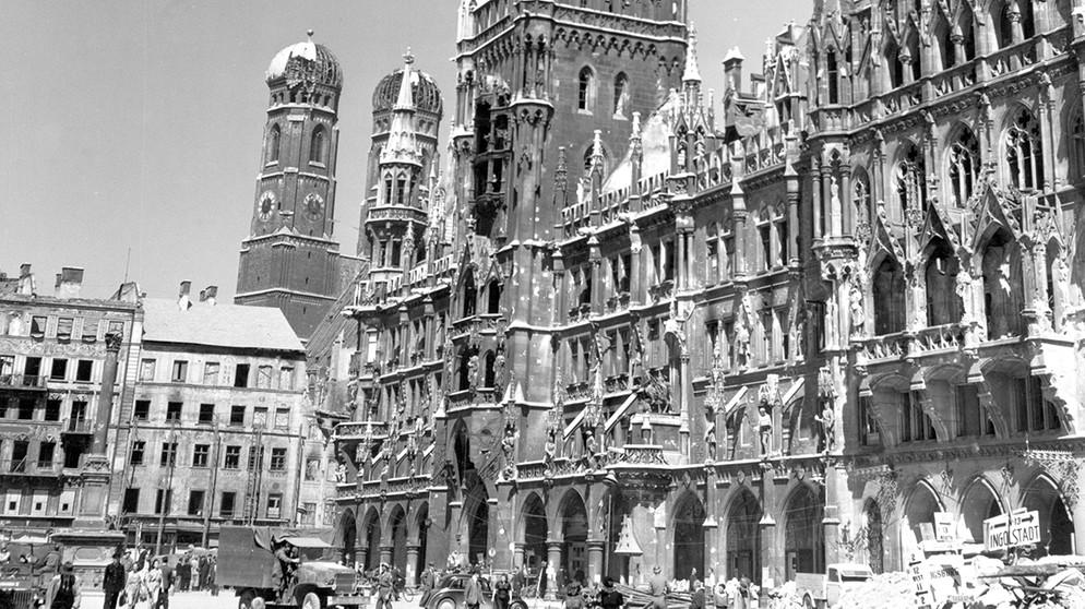 Erinnern in München nach 1945 Der Krieg ist aus Verzamelingen Documenten en boeken