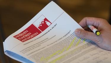 Der Abschlussbericht des Domspatzen-Ermittlers ist 440 Seiten stark   Bild: picture-alliance/dpa