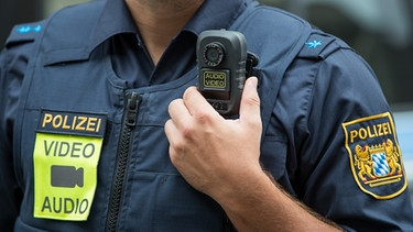 Polizist mit Bodycam | Bild: picture-alliance/dpa