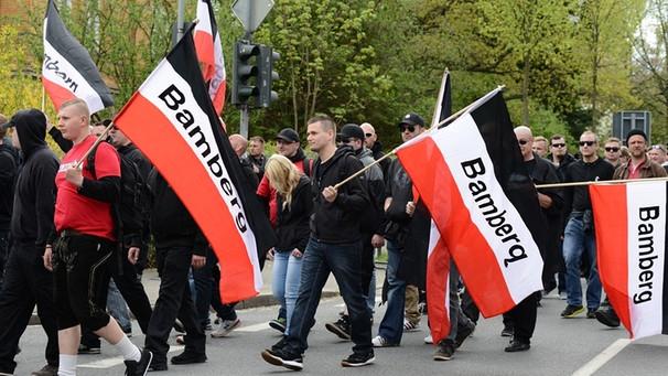 """Neonazi-Partei """"Die Rechte"""": Gewaltbereite Rechtsextreme ..."""
