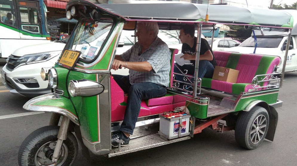 mein job dein job als taxifahrer in thailand oder als bademeister in s damerika. Black Bedroom Furniture Sets. Home Design Ideas