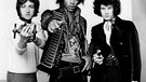April 1967: Guitarist and singer, Jimi Hendrix (1942-70) with Mitch Mitchell (l, drums) and Noel Redding (r, bass). The Jimi Hendrix Experience. Ref: B196_095082_3616. Foto: STARSTOCK/Photoshot +++(c) dpa - Report+++ | Bild: dpa/picture-alliance