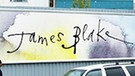 Billboard mit der Aufschrift James Blake The Colour in Anything | Bild: Quentin Blake