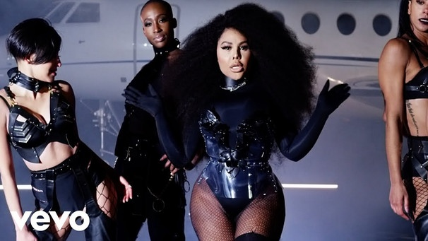 Lil' Kim - Go Awff (Official Video) | Bild: LilKimVEVO (via YouTube)