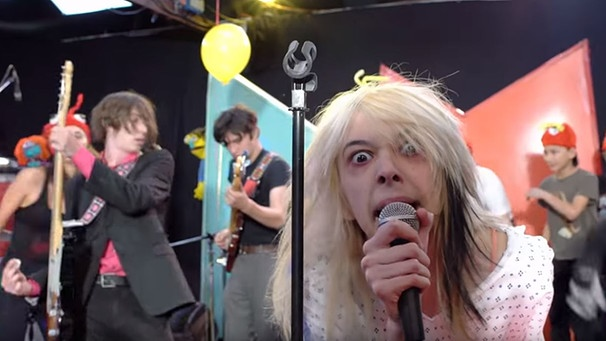 "Starcrawler live in der Sendung ""Pancake Mountain"" 