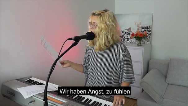 Sigi Maurer (Protestsong) | Bild: Mascha (via YouTube)