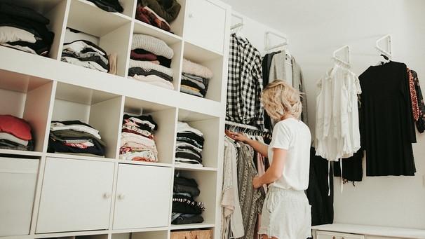 Alte Kleidung Verkaufen So Verdienen Sie Mit Alter Kleidung Geld