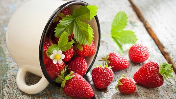 erdbeeren einfrieren so k nnen sie erdbeeren konservieren. Black Bedroom Furniture Sets. Home Design Ideas