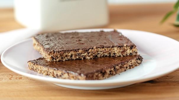 Schokobrot Rezept Fur Schoko Nuss Kuchen Vom Blech Bayern 1