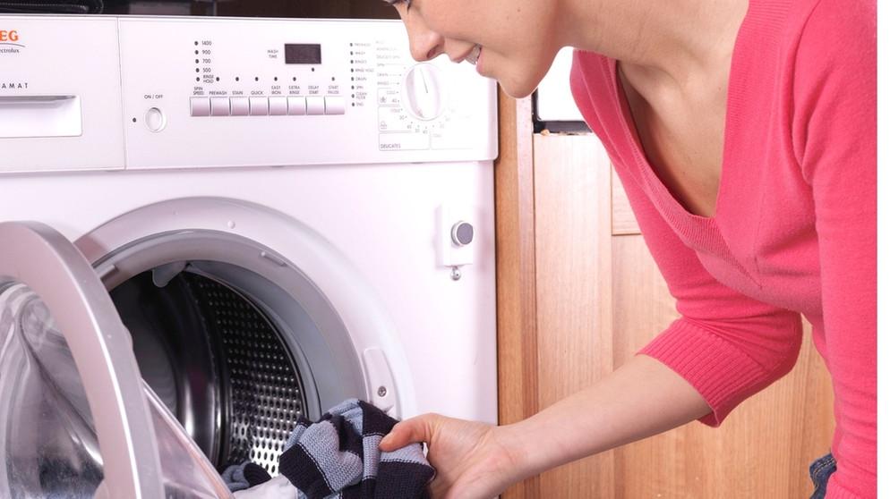 waschmaschine riecht das hilft gegen l stigen geruch aus der waschmaschine bayern 1 radio. Black Bedroom Furniture Sets. Home Design Ideas