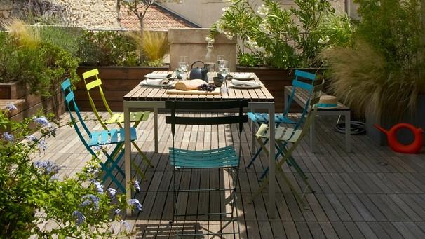 Holz Und Plastik So Werden Gartenmöbel Wieder Sauber