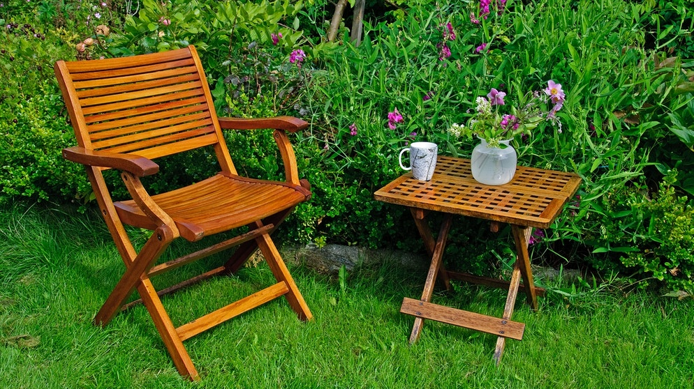 gartenm bel welches holz ist kologisch sinnvoll umweltkommissar experten tipps bayern 1. Black Bedroom Furniture Sets. Home Design Ideas