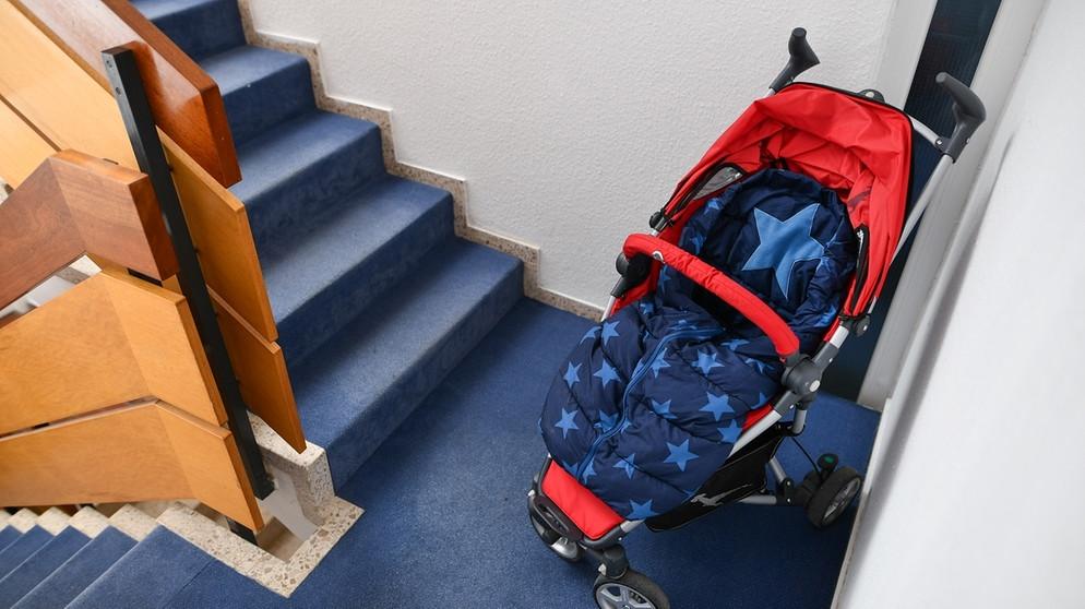 Schuhregal, Müll, Fahrrad abstellen: Was ist im Hausflur erlaubt ...
