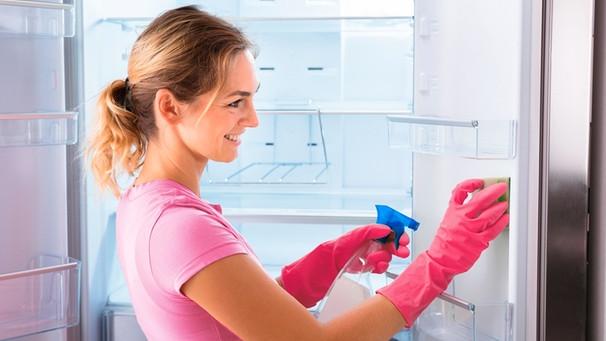 Aeg Kühlschrank Gefriert : Abtauen und reinigen: so bleiben gefrier und kühlschrank fit