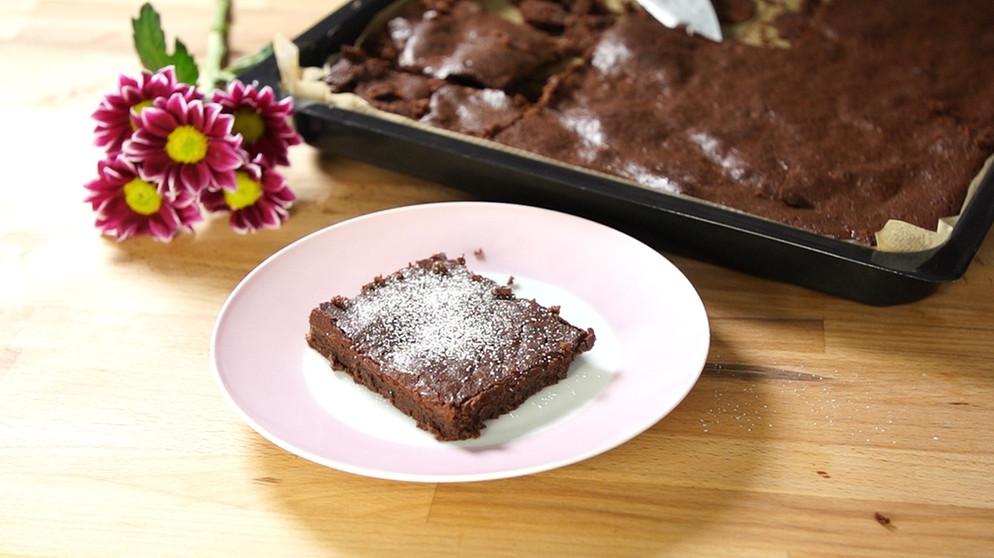 saftiger schokoladenkuchen glutenfreier schokokuchen vom blech bayern 1 radio. Black Bedroom Furniture Sets. Home Design Ideas