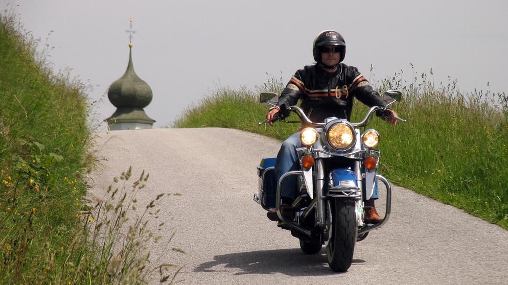 Mit kurzen motorräder beinen frauen für Zu kurze