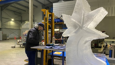 L'artista del ghiaccio Thomas Tremel di Ismaning |  Foto: BR / Moritz Steinbacher