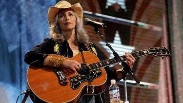 Die Countrymusikerin Emmylou Harris | Bild: picture-alliance/dpa