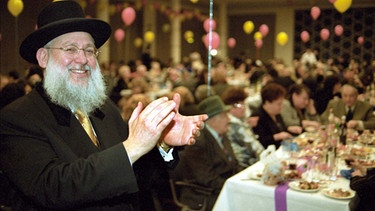 Rabbi bei Pessachfest | Bild: picture-alliance/dpa
