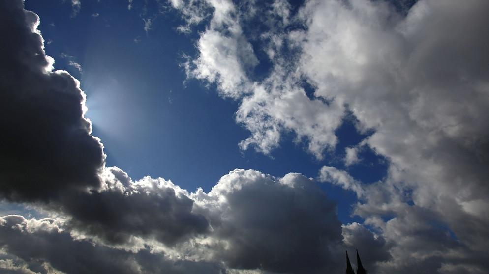 Wolken-Kunde: Von Schäfchen-, Schleier- und anderen Wolken | Wissen ...