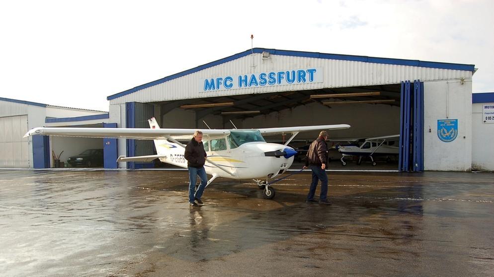 Motorflugclub Hassfurt: Kassier wegen Untreue verurteilt - Bayerischer Rundfunk