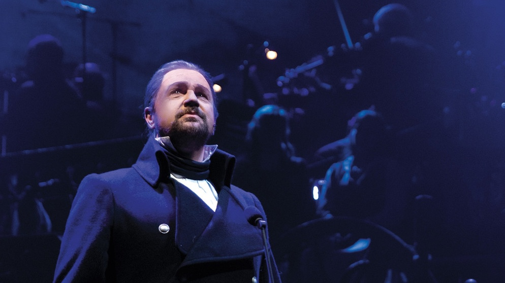 Les Miserables: the staged concert 2019 - Michal Ball als Javert  | Bild: picture-alliance/dpa - Everett Collection
